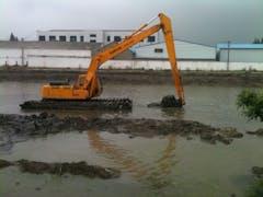Amphibious Excavator Hire in Brisbane CBD