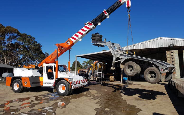 B & M Cranes Pty Ltd featured image