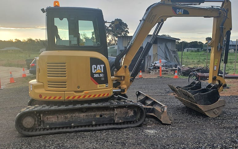 ONTRACK Earthmoving & Demolition featured image